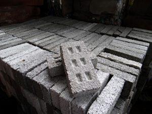 Armando-Iachini-Ladrillo-reciclado-plastico-0