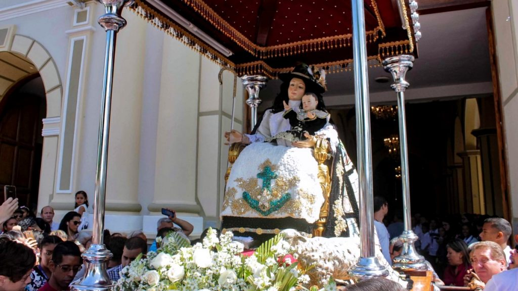 Armando Iachini Divina Pastora Monumento Manto de Maria visita 164 2020